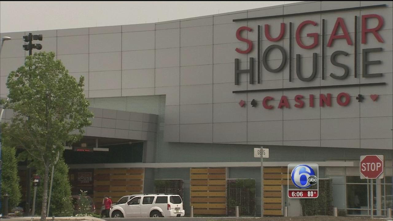 VIDEO: Man robbed of $12K casino winnings in S. Philly