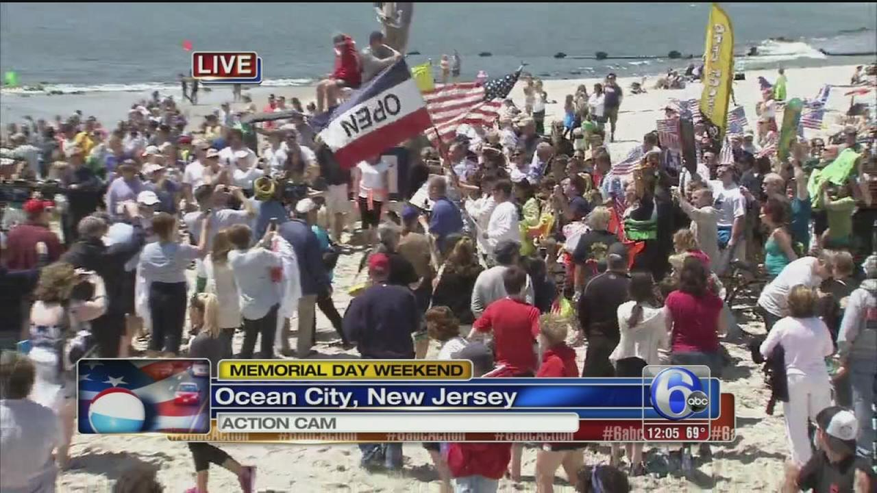 VIDEO: Holiday weekend begins in Ocean City, N.J.