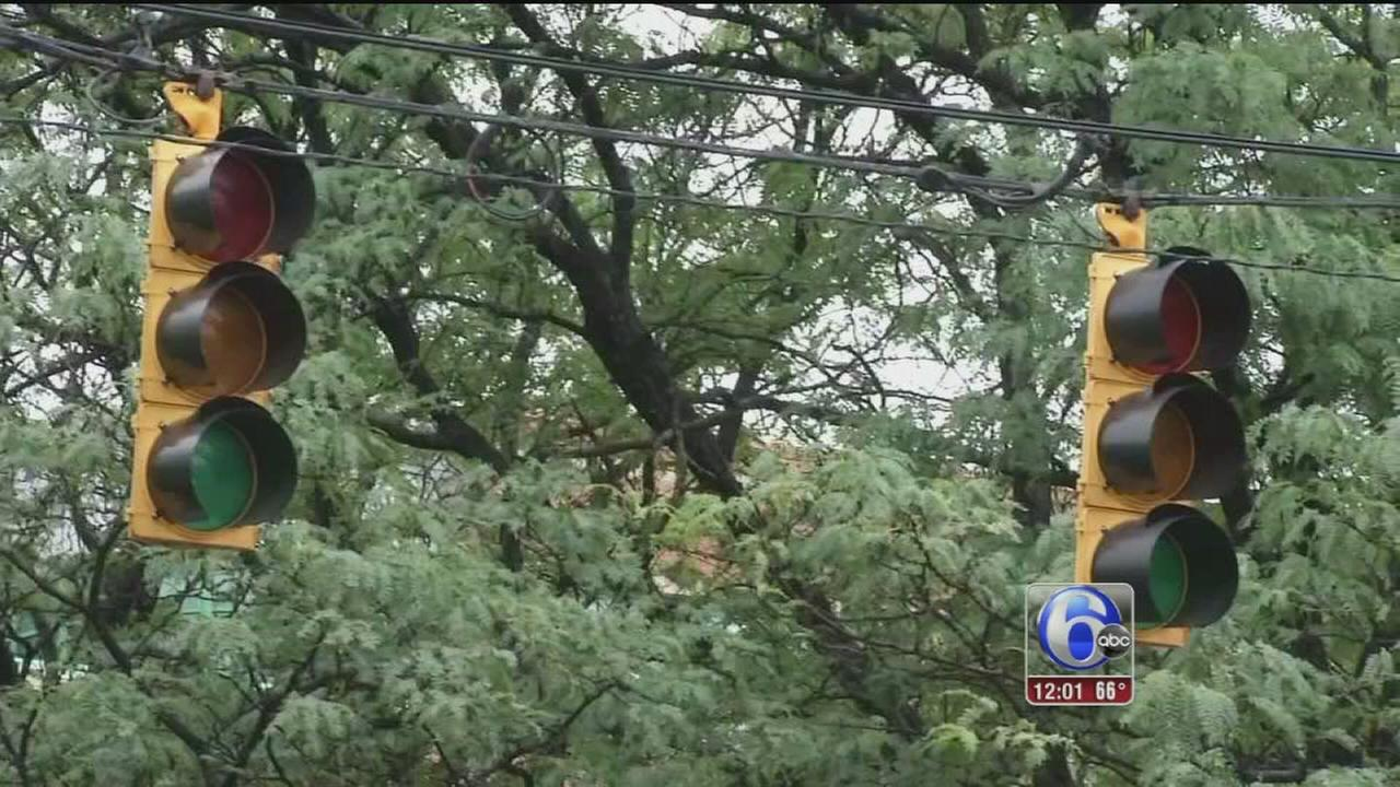VIDEO: Rain causes power outages in Del.
