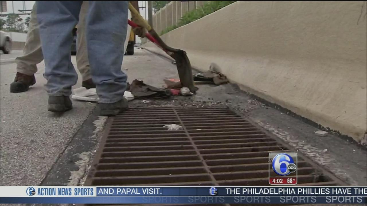 VIDEO: Crews clear drains after AM flooding on I-476