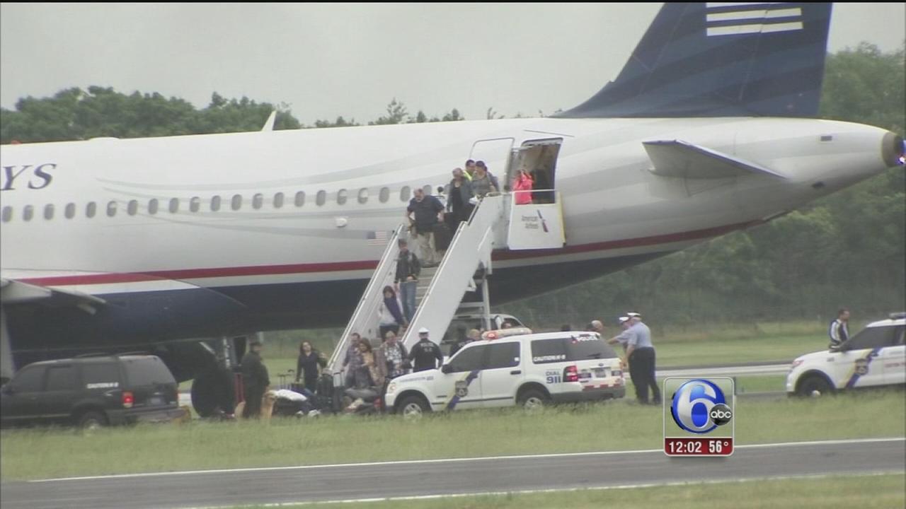 VIDEO: Bomb threat at Philadelphia International Airport