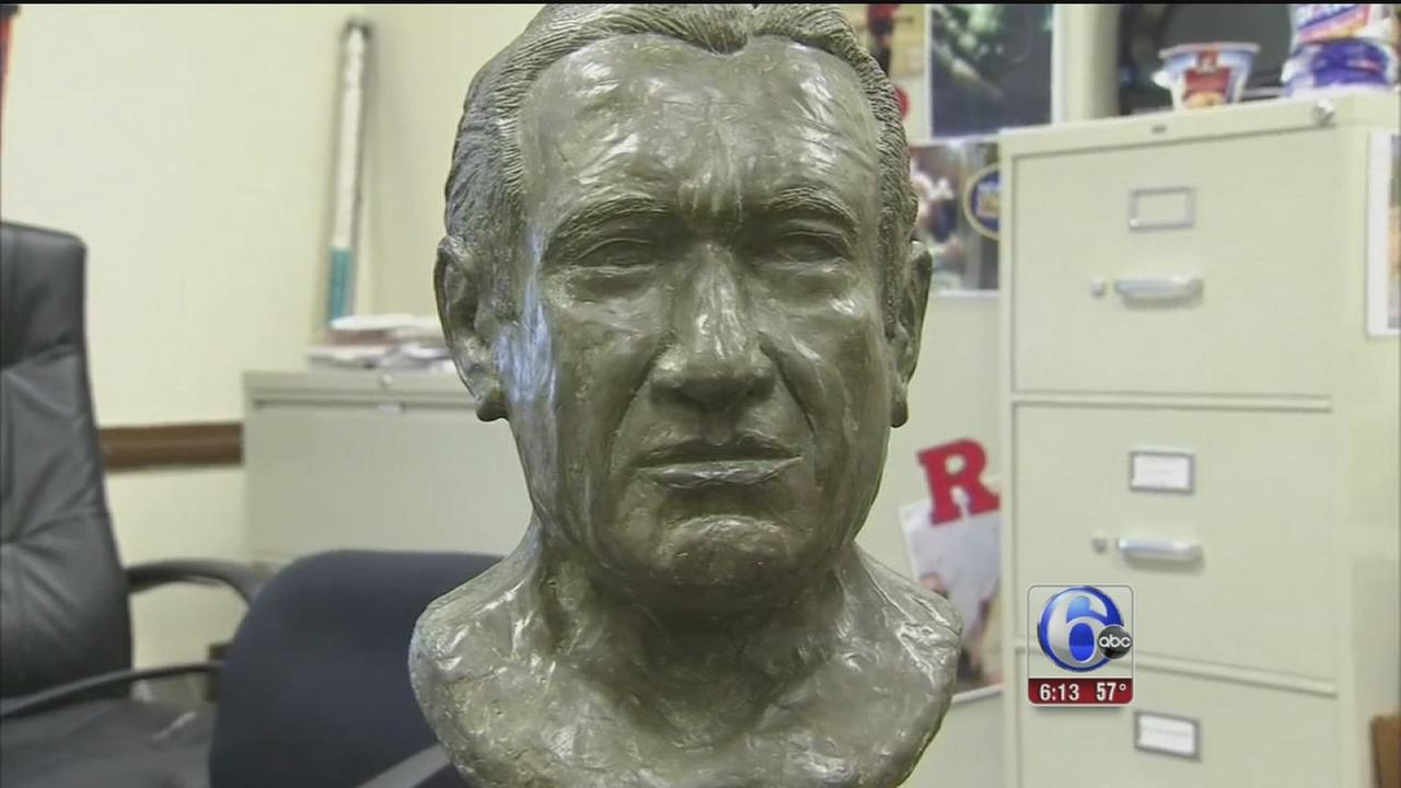 VIDEO: Searching for owner of bust