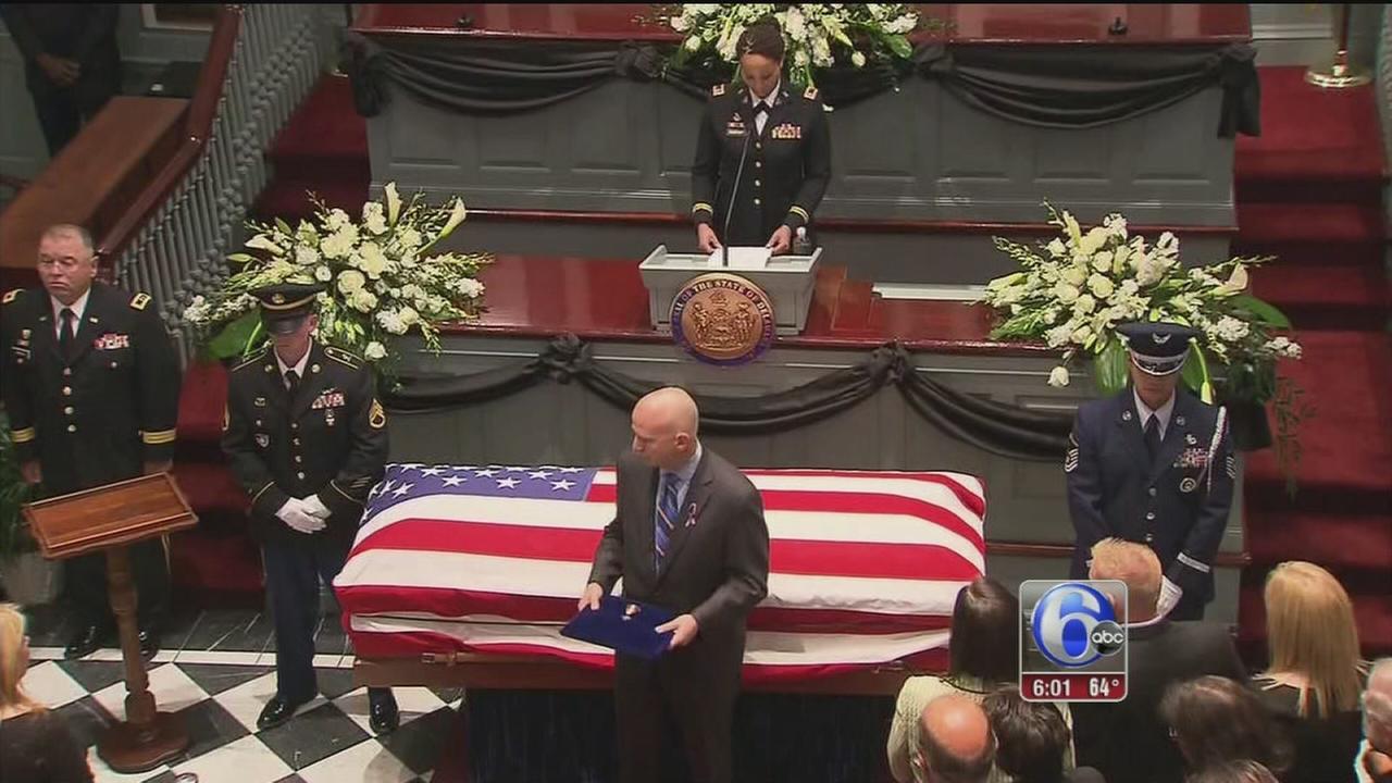 VIDEO: Biden lies in honor