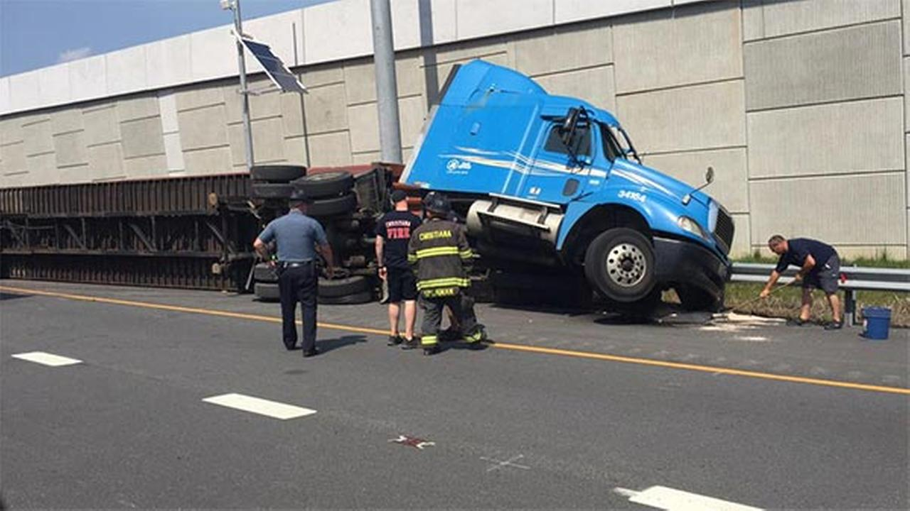 Tractor-trailer carrying baby wipes crashes in Delaware