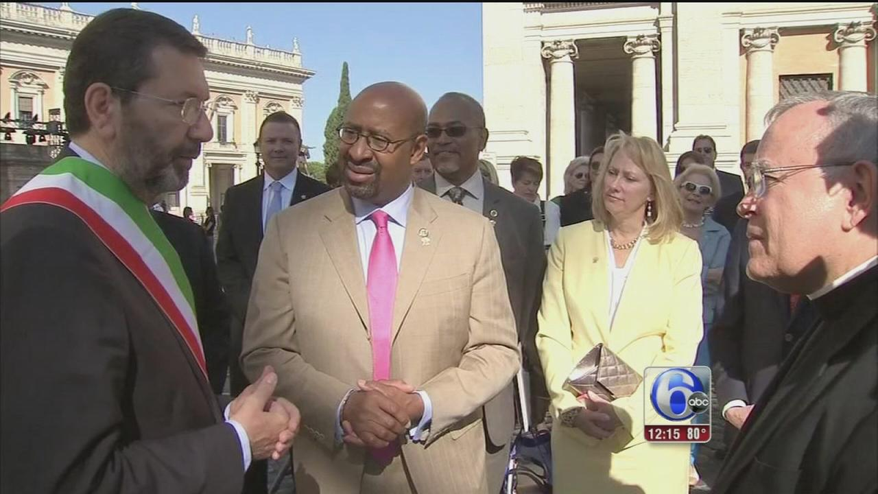 VIDEO: Mayor Nutter gets advice on handling papal crowd