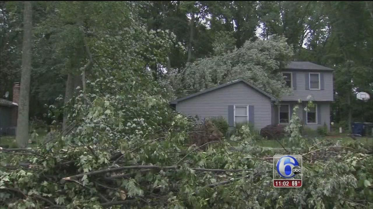 VIDEO: Camden County residents slowly cleaning up after storm