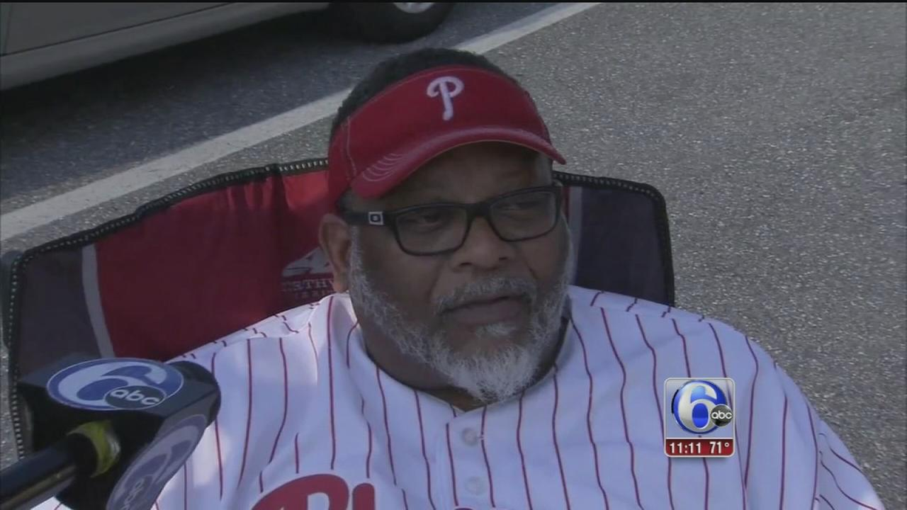 VIDEO: Phillies fans react to Sandberg resignation