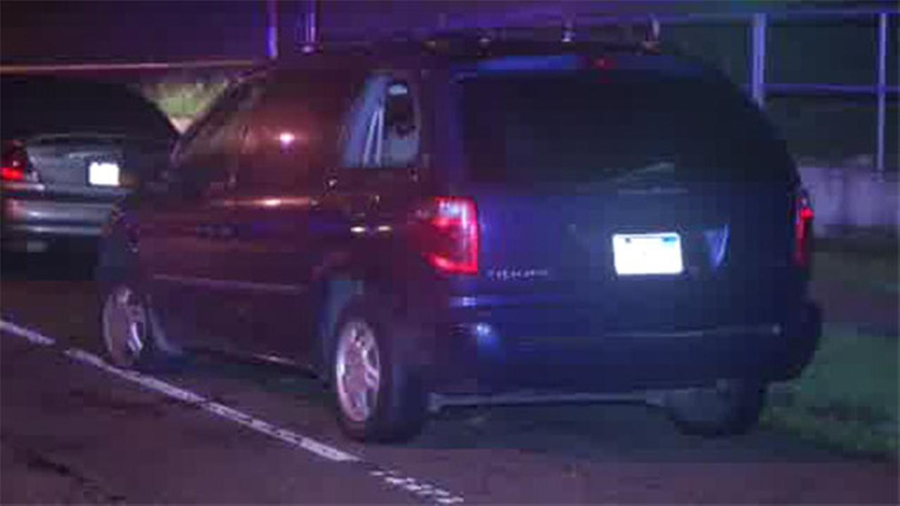 Driver shot and wounded in North Philadelphia