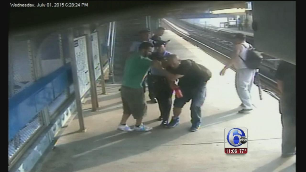 VIDEO: Man rescued after falling off SEPTA El platform