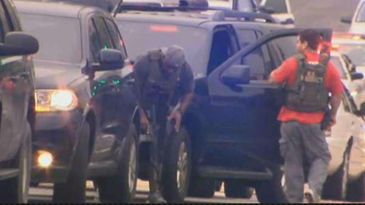 PHOTOS: Shooting reported at Washington Navy Yard