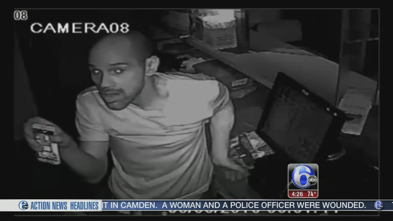 VIDEO: Philadelphia Police search for restaurant burglar