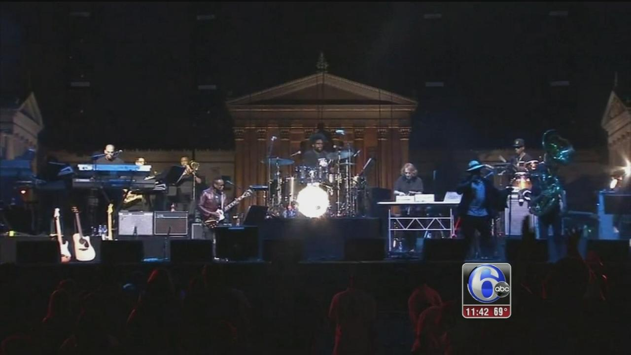 VIDEO: Ringing in the 4th of July on the Parkway