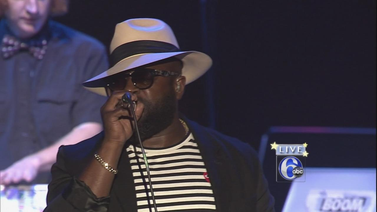 VIDEO: The Roots sample Action News theme