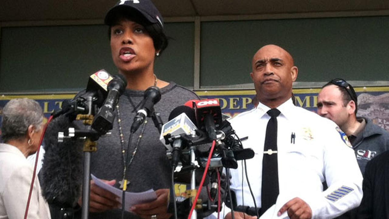 FILE: Baltimore Mayor Stephanie Rawlings-Blake, left, speaks at a news conference with Baltimores Police Commissioner Anthony Batts.