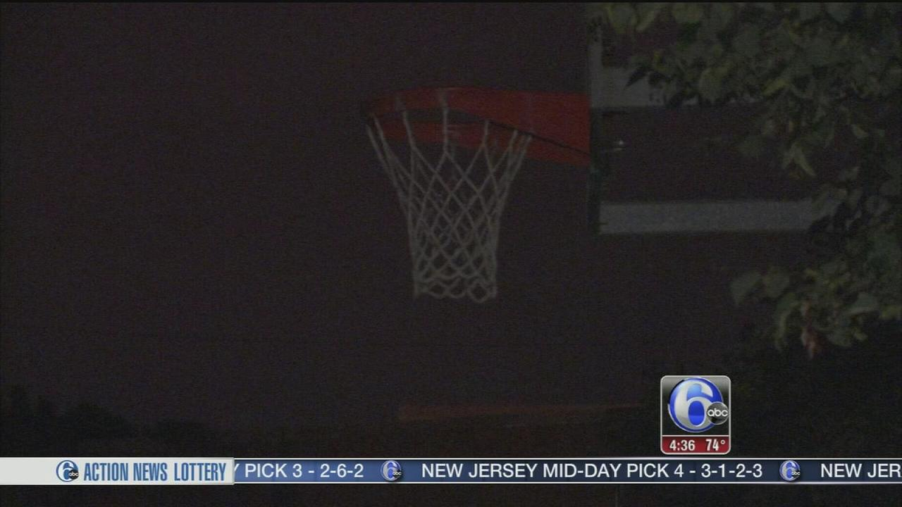 VIDEO: Teen playing basketball stabbed in Grays Ferry
