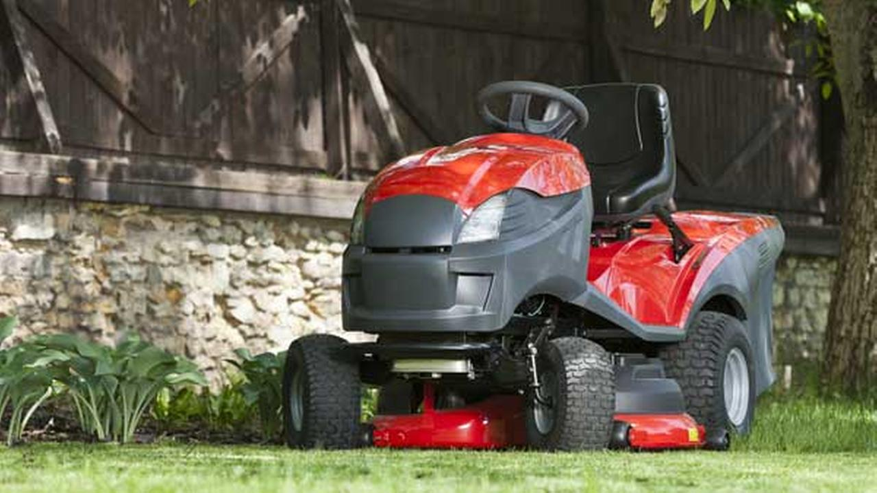 Police: Man drove drunk, carried box of beer on lawn tractor