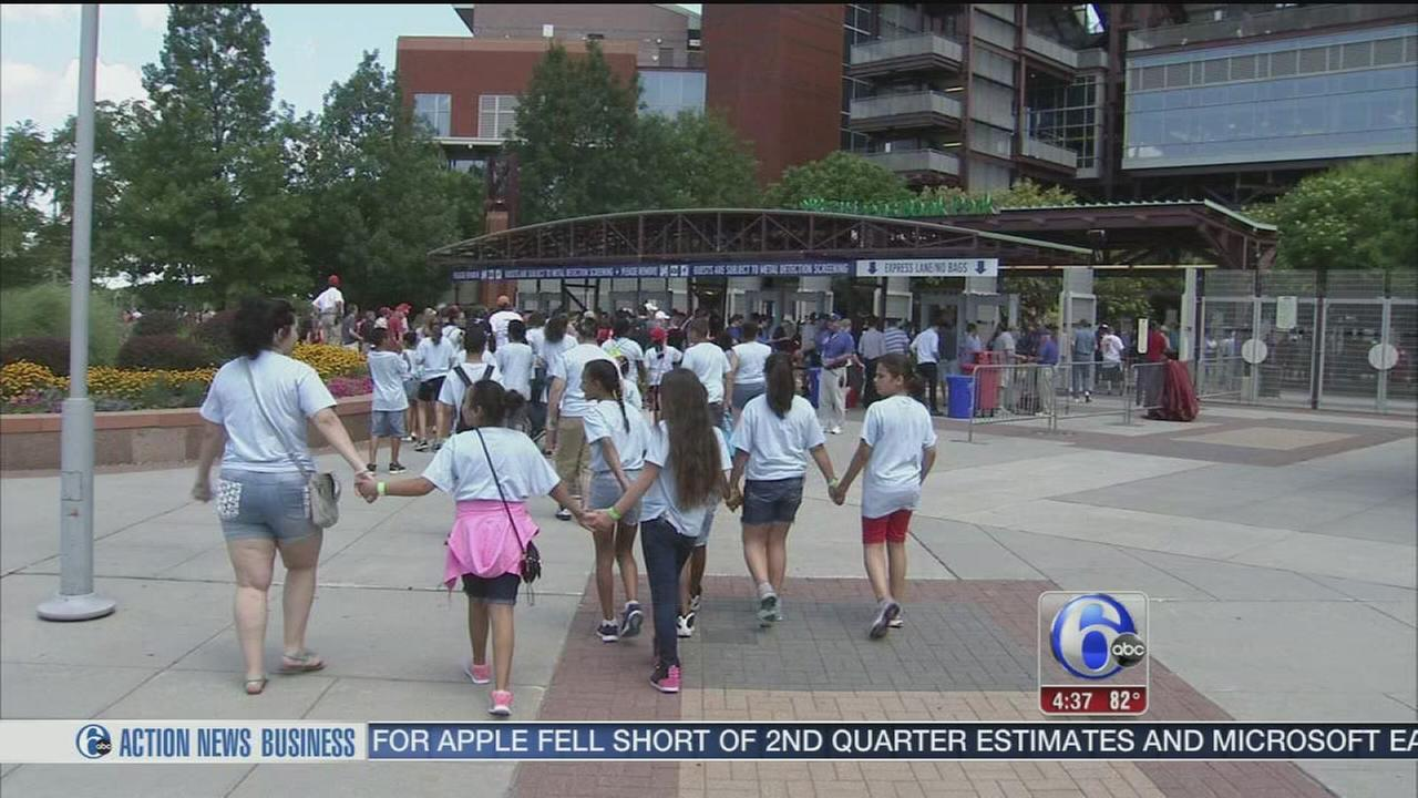 Christmas in July for young fans at Citizens Bank Park