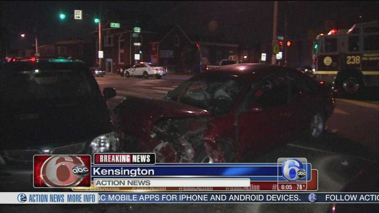 VIDEO: 3 hurt in high-speed crash in Kensington