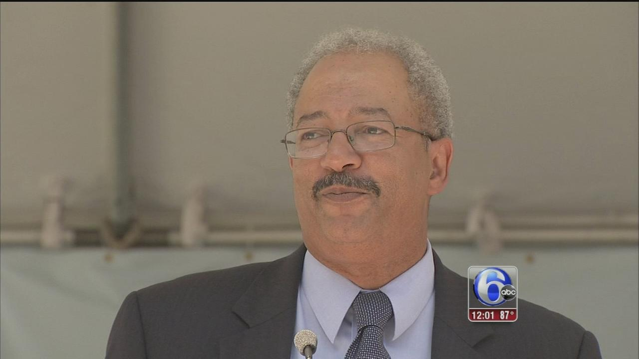 VIDEO: Rep. Chaka Fattah indicted in racketeering case