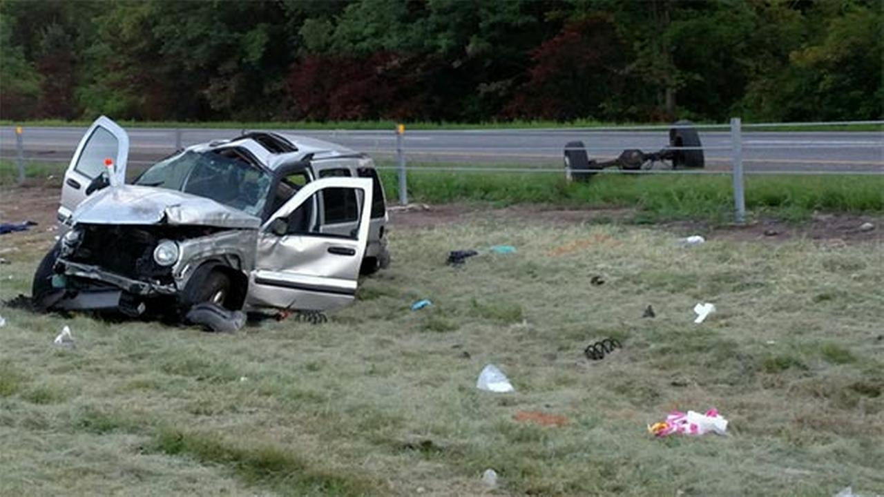6 people injured in vehicle crash in Bucks County