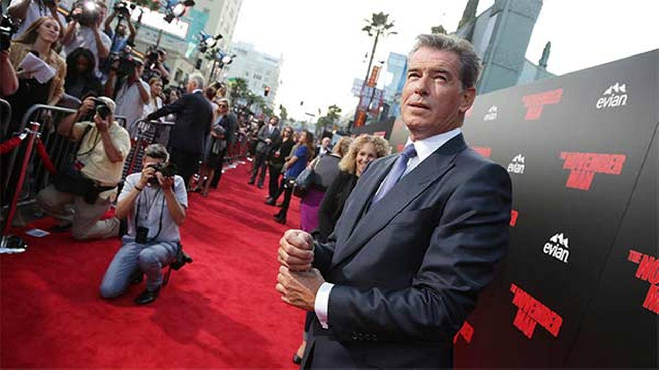 Police: 007 actor Brosnan stopped at airport with knife