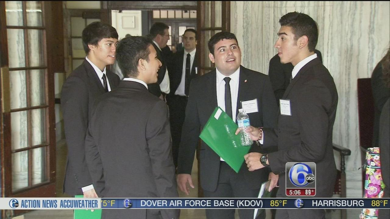 VIDEO: Seminarians move in where Pope Francis will stay next month