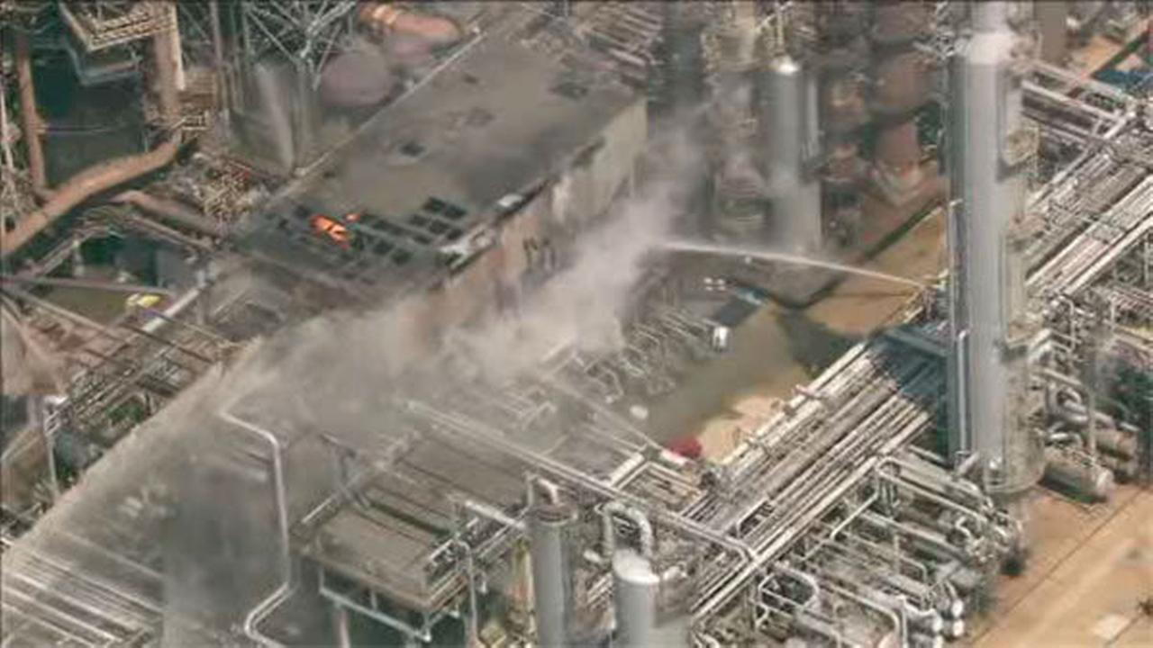 PHOTOS: Fire at Delaware City oil refinery
