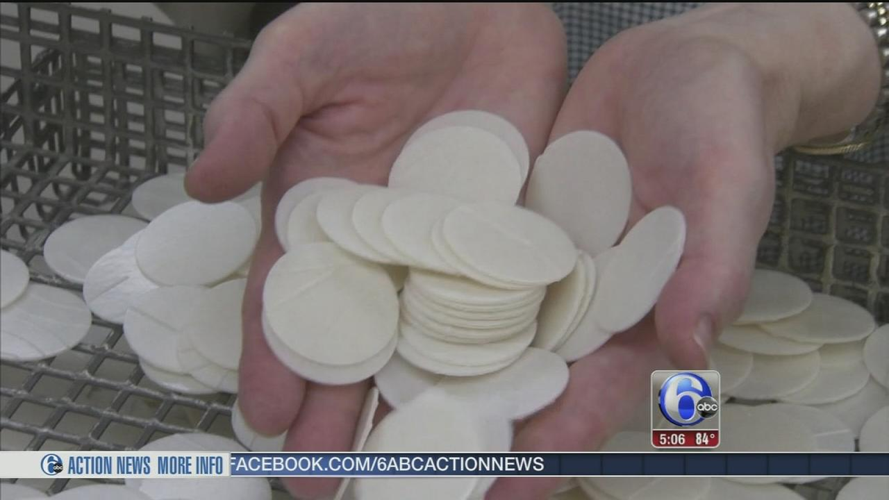 VIDEO: Local nuns tasked with making wafers for papal Masses
