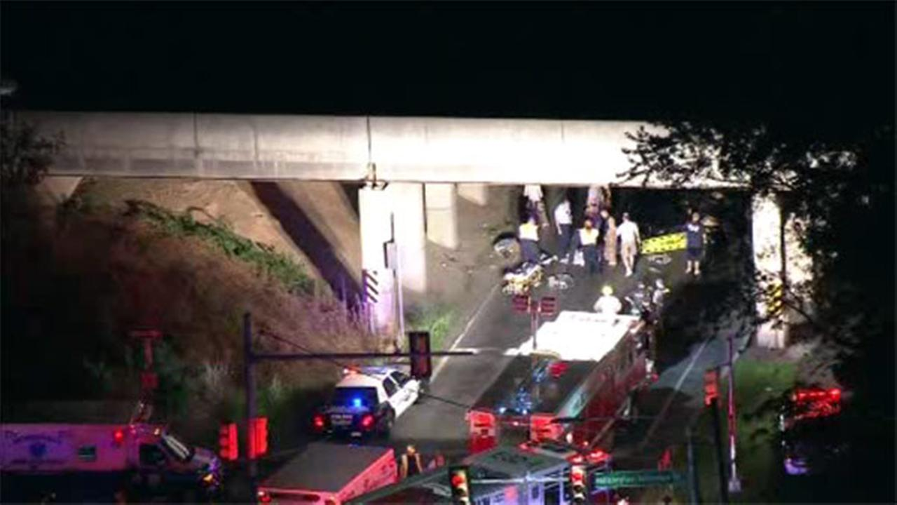 Corvette slams into bridge in Levittown; driver killed