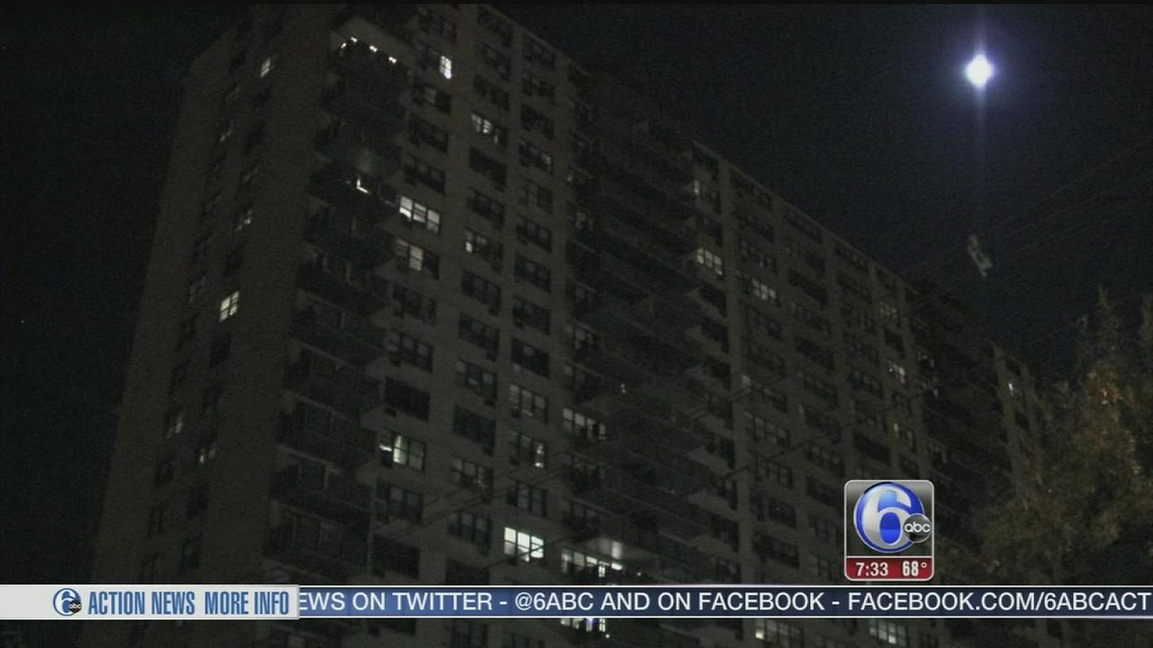 VIDEO: Man shot and killed in lobby of Camden apartments