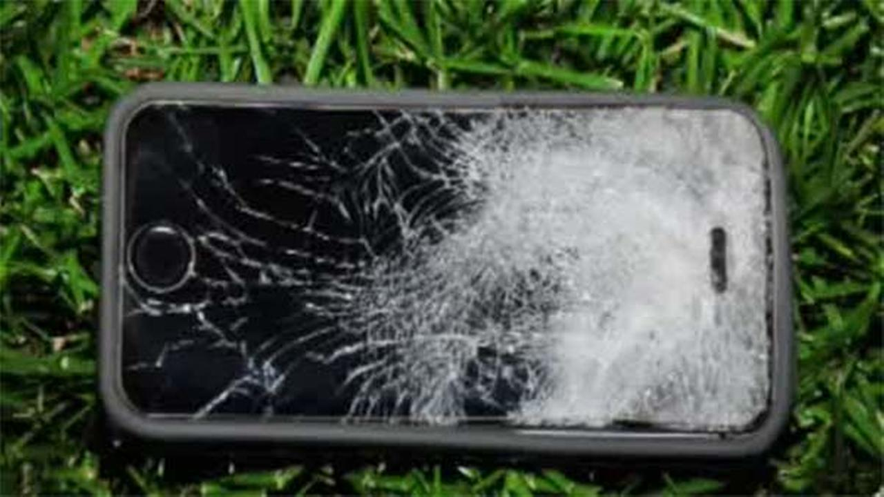 iPhone stops bullet during armed robbery