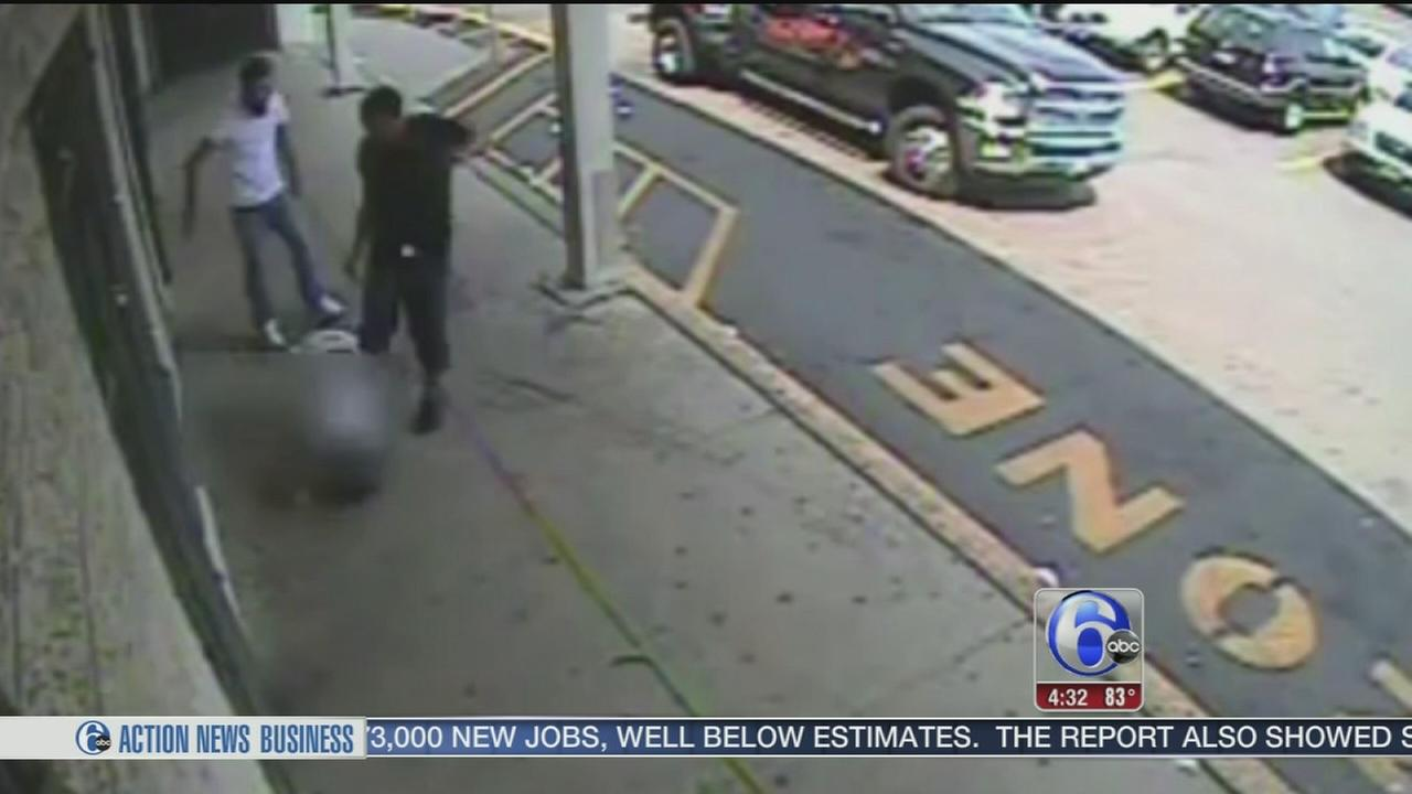 VIDEO: Man brutally attacked outside liquor store in Juniata