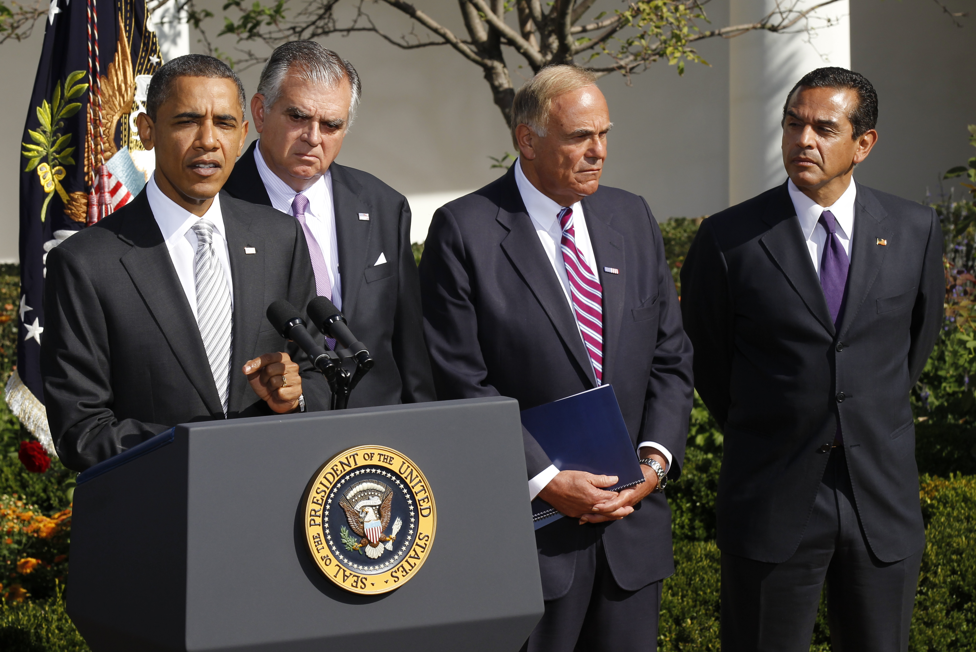 <div class='meta'><div class='origin-logo' data-origin='AP'></div><span class='caption-text' data-credit='ASSOCIATED PRESS'>Rendell joins President Barack Obama in the Rose Garden in 2010. (AP Photo/Pablo Martinez Monsivais)</span></div>