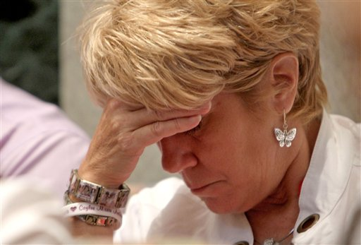 """<div class=""""meta image-caption""""><div class=""""origin-logo origin-image none""""><span>none</span></div><span class=""""caption-text"""">Cindy Anthony, wearing bracelets in tribute to her granddaughter Caylee Anthony, listens during the final day of arguments in the trial of her daughter Casey Anthony. (AP)</span></div>"""