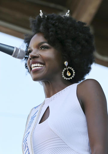 <div class='meta'><div class='origin-logo' data-origin='none'></div><span class='caption-text' data-credit='AP'>In this Tuesday, Aug. 30, 2016 photograph, Miss District of Columbia, Cierra Jackson is introduced during Miss America Pageant arrival ceremonies in Atlantic City.</span></div>