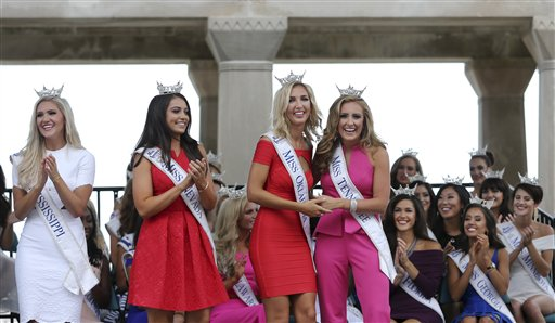 "<div class=""meta image-caption""><div class=""origin-logo origin-image none""><span>none</span></div><span class=""caption-text"">Miss Mississippi, Laura Lee Lewis, Miss Nevada, Bailey Gumm, Miss Oklahoma, Sarah Klein and Miss Tennessee, Grace Burgess stand together Tuesday, Aug. 30, 2016, in Atlantic City (AP)</span></div>"