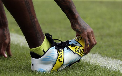 "<div class=""meta image-caption""><div class=""origin-logo origin-image ap""><span>AP</span></div><span class=""caption-text"">Washington Redskins wide receiver DeSean Jackson (11) wears cleats with a police tape theme during warm ups before an NFL football game Sunday, Oct. 2, 2016, in Landover, Md. (AP)</span></div>"