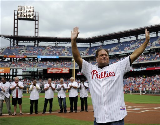"<div class=""meta image-caption""><div class=""origin-logo origin-image ap""><span>AP</span></div><span class=""caption-text"">Former Philadelphia Phillies catcher Darren Daulton walks to the field during the Phillies alumni ceremonies on Friday, Aug. 2, 2013, in Philadelphia.  (AP Photo/Michel Perez) (AP)</span></div>"