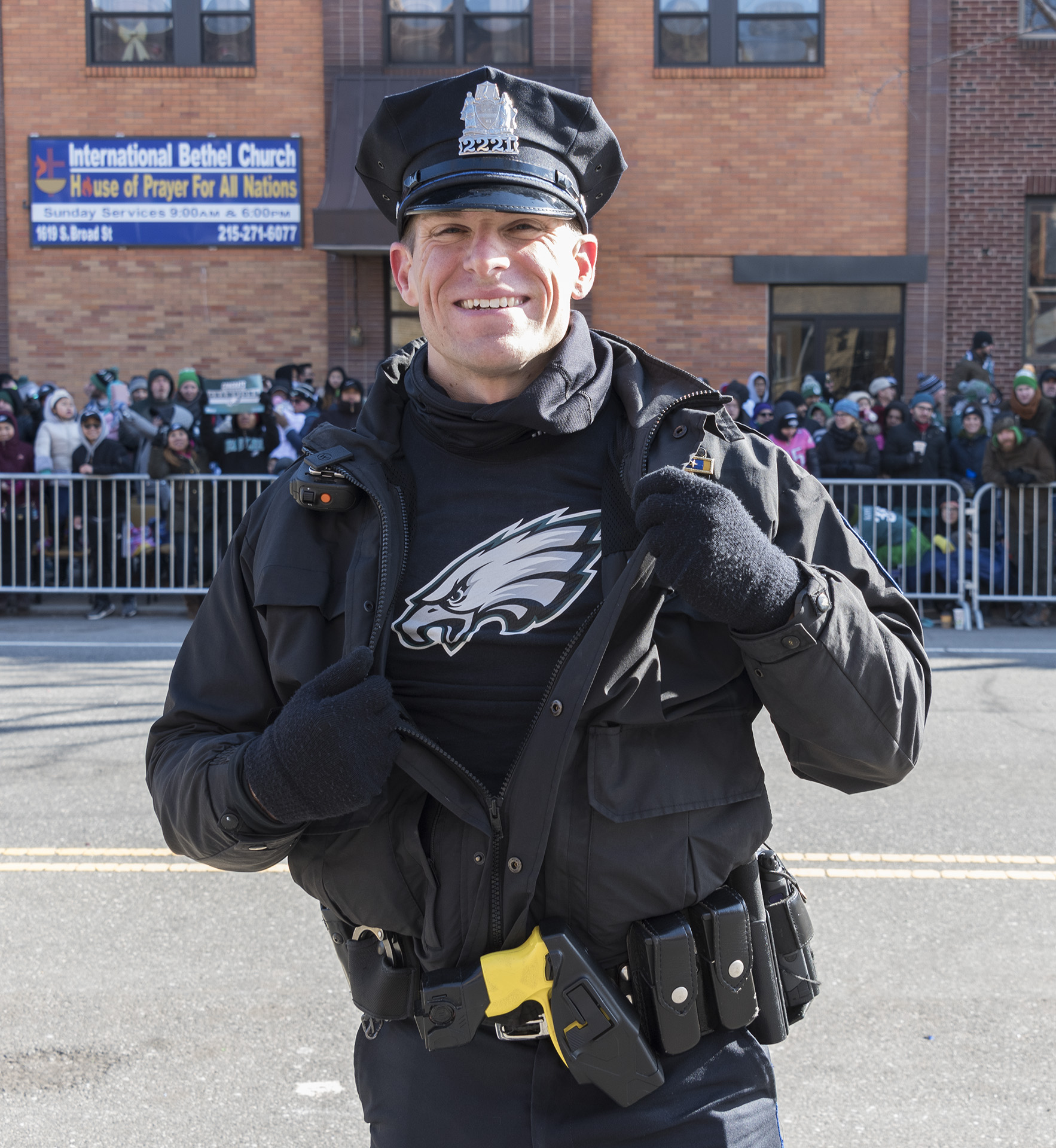<div class='meta'><div class='origin-logo' data-origin='WPVI'></div><span class='caption-text' data-credit='Bruce Neumann'>Along the parade route with the Eagles and 6abc Photographer Bruce Neumann</span></div>