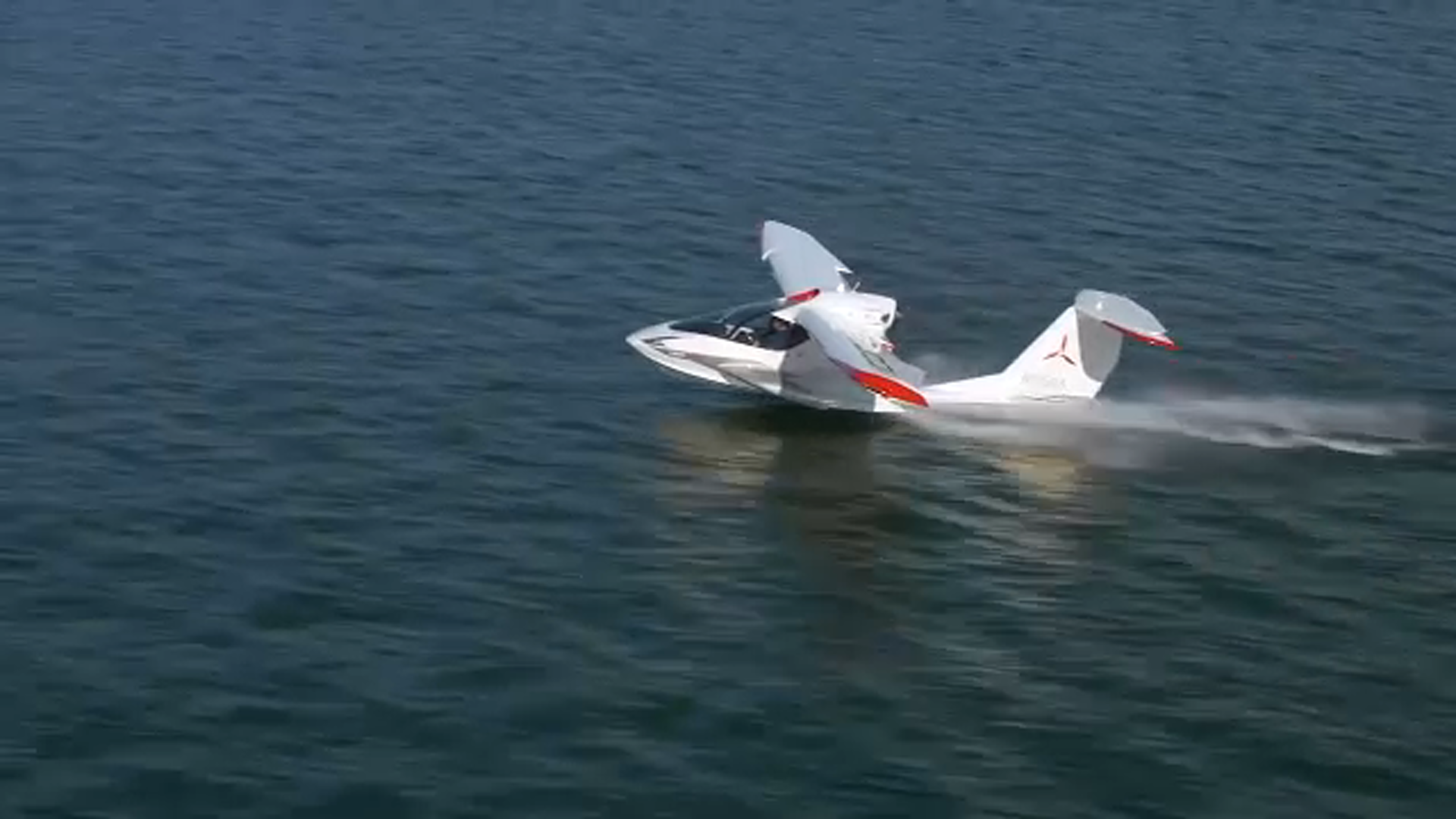 "<div class=""meta image-caption""><div class=""origin-logo origin-image none""><span>none</span></div><span class=""caption-text"">The ICON A5 is built to land on water as well as conventional runways.</span></div>"