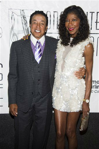 "<div class=""meta image-caption""><div class=""origin-logo origin-image none""><span>none</span></div><span class=""caption-text"">Smokey Robinson and Natalie Cole attend the Songwriters Hall of Fame 44th annual induction and awards gala on Thursday, June 13, 2013 in New York. (AP Photo/Charles Sykes)</span></div>"
