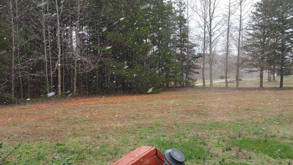 "<div class=""meta image-caption""><div class=""origin-logo origin-image none""><span>none</span></div><span class=""caption-text"">Snow flurries seen around halfway between South Hill and Chase City.</span></div>"