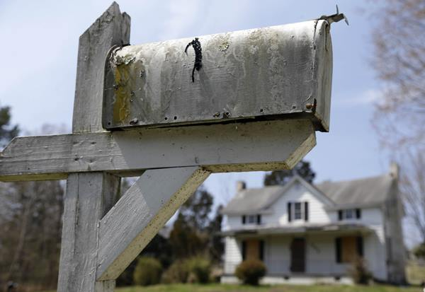 <div class='meta'><div class='origin-logo' data-origin='AP'></div><span class='caption-text' data-credit='Gerry Broome'>In this photo taken April 2, 2015, a mailbox frames the historical childhood home of Pauli Murray in Durham.</span></div>