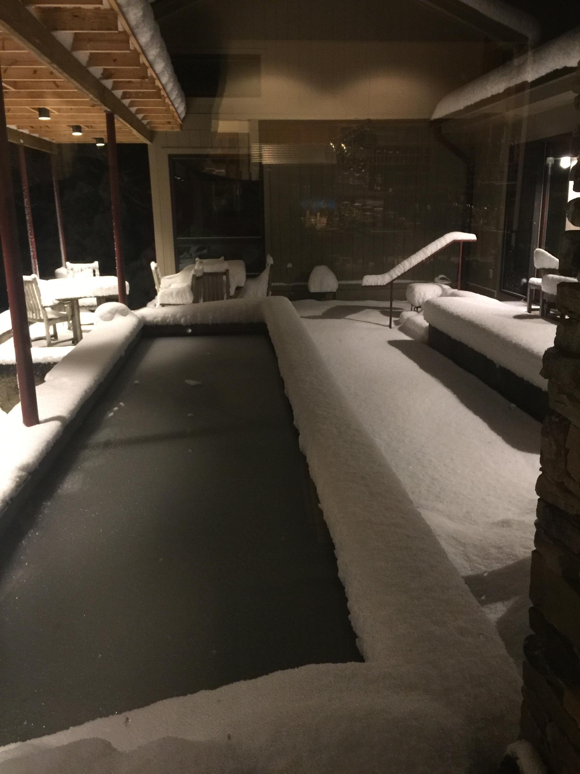 <div class='meta'><div class='origin-logo' data-origin='WTVD'></div><span class='caption-text' data-credit='Deborah Rosenstein - ABC11 Eyewitness'>A foot of snow in Bahama!</span></div>