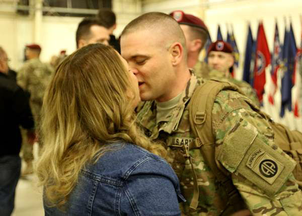 """<div class=""""meta image-caption""""><div class=""""origin-logo origin-image none""""><span>none</span></div><span class=""""caption-text"""">Paratroopers from Headquarters and Headquarters Battalion, 82nd Airborne Division return to Fort Bragg, N.C. on Feb. 19, 2016. (Photo/82nd Airborne Division)</span></div>"""