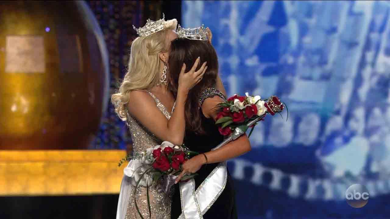 <div class='meta'><div class='origin-logo' data-origin='ABC'></div><span class='caption-text' data-credit=''>Miss America 2018</span></div>