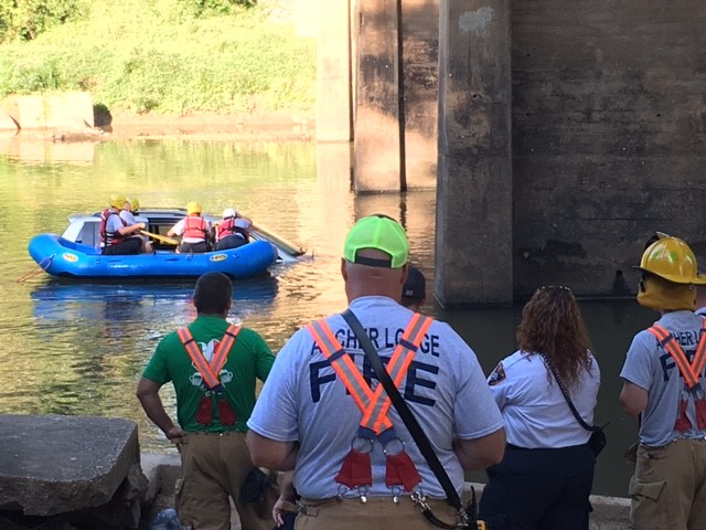 "<div class=""meta image-caption""><div class=""origin-logo origin-image wtvd""><span>WTVD</span></div><span class=""caption-text"">Authorities responded to a call about a van in the Neuse River at NC 42 east of Clayton. (Jason Thompson)</span></div>"