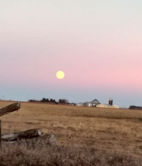 "<div class=""meta image-caption""><div class=""origin-logo origin-image none""><span>none</span></div><span class=""caption-text"">The first and only supermoon of 2017. (Credit: Just Jackie/Twitter)</span></div>"