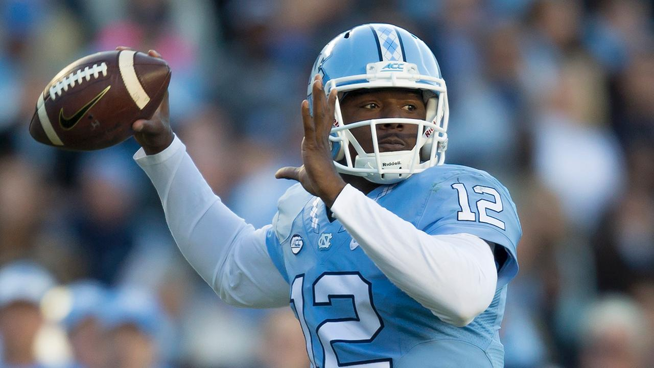 North Carolina quarter back Marquise Williams drops back to pass during the first half of an NCAA college football game, in Chapel Hill, N.C., Saturday, Nov. 14, 2015.