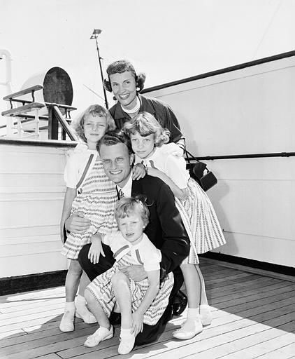 <div class='meta'><div class='origin-logo' data-origin='AP'></div><span class='caption-text' data-credit=''>Billy Graham poses with his wife, Ruth, and their three daughters - Ruth, 3, Anne, 6, and Virginia, 8 - on the liner Queen Mary following arrival in NYC on July 7, 1954.</span></div>